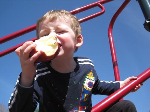 Lex eats an apple