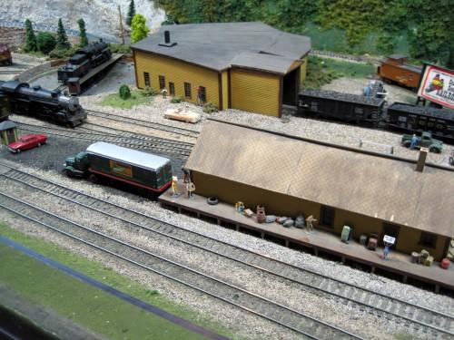 model trains -p2
