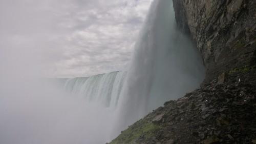 The Horseshoe falls, crashing down.