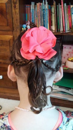 She let me do her hair! She ASKED me to do her hair!! <3
